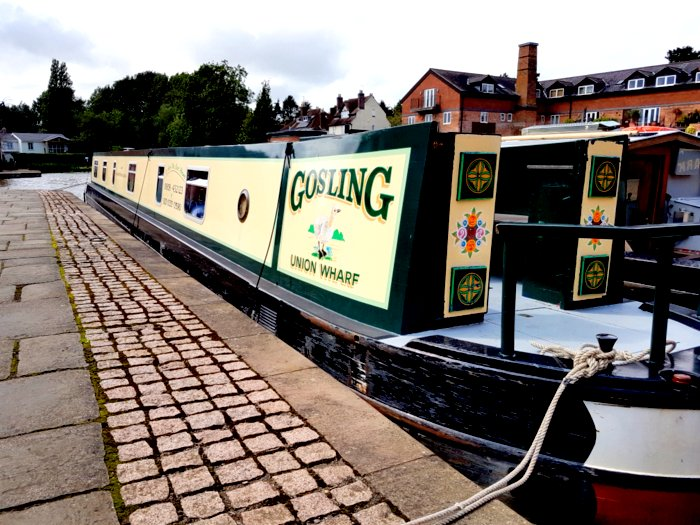Hire narrowboat from union wharf marina market harborough gosling exterior boat for families